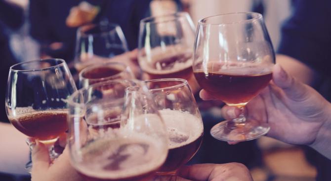 Мъж e с опасност за живота в Добричко, пил метилов алкохол