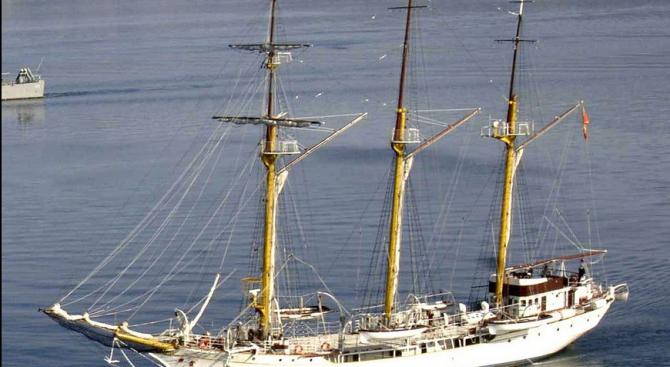 Снимка: Кокаин за 5 млн. евро заловен на учебен кораб в Черна гора