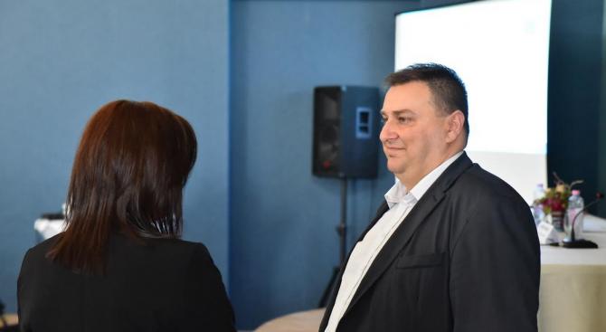 """Емил Радев: Нова европейска директива предлага """"спасителен пояс"""" за задлъжнелите предприятия"""