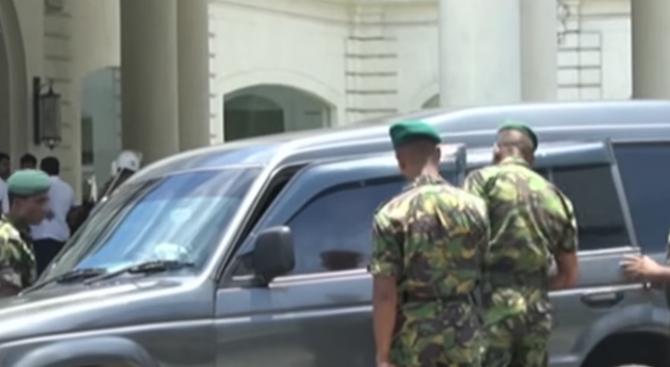 Осем задържани във връзка със серията атентати в Шри Ланка