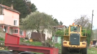 """Постройките в """"Карасиврия"""" в Стара Загора не подлежат на узаконяване, заяви кметът"""