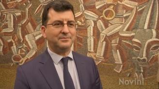 Асим Адемов: Йончева избягва темата за евроизборите, защото е неподготвена. Държи се като разследващ журналист