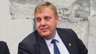 Каракачанов ще връчи знамето на VII ученически гвардейски отряд в Горна Оряховица
