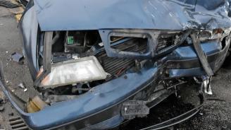 Катастрофа в Кърджали, две коли се сблъскаха