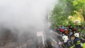 Възрастен мъж загина в 30-метрови пламъци при пожар в Русе