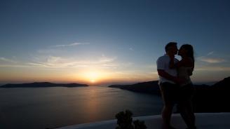 Ужасна смърт застигна млада влюбена двойка в Санторини