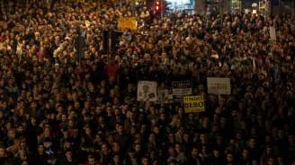 Хиляди се събраха в Белград на митинг вподкрепа на Вучич