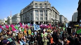 Шести ден продължава протестът на екоактивисти в Лондон, 715 са арестувани