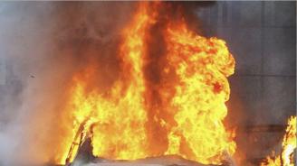 "Кола пламна в движение на магистрала ""Хемус"""