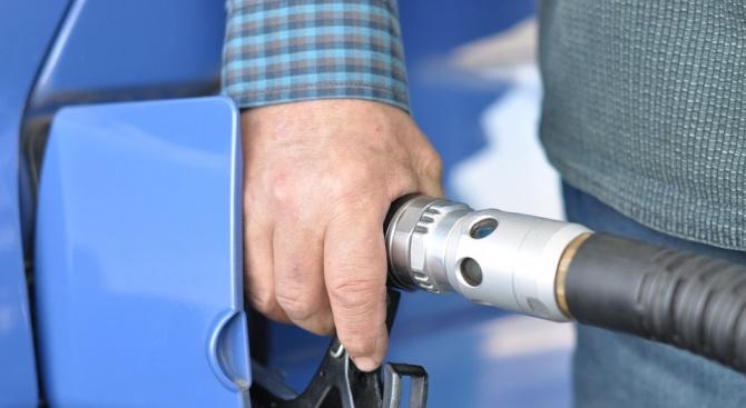 Бензинът отново поскъпва шоково