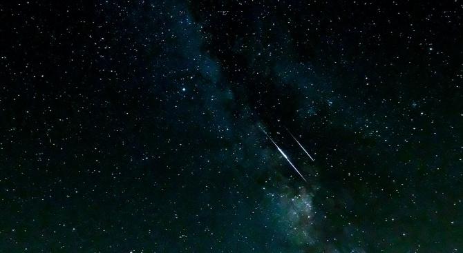 Снимка: Смайващ спектакъл от падащи звезди ни очаква тази нощ