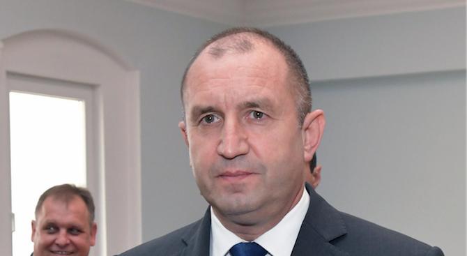 """Румен Радев отговори на Борисов за """"военния преврат"""""""