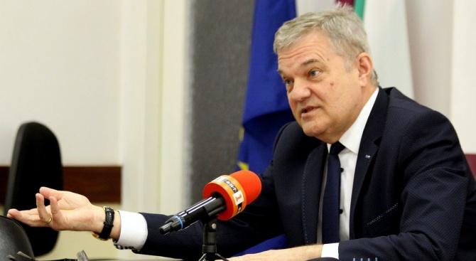 """Председателят на """"Коалиция за България"""" и на ПП АБВ Румен"""