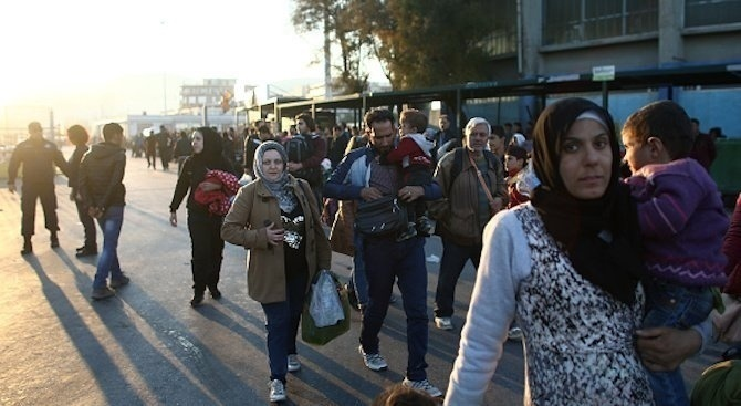 Малко сирийски бежанци се възползват от германската финансова помощ, за да се завърнат в Сирия