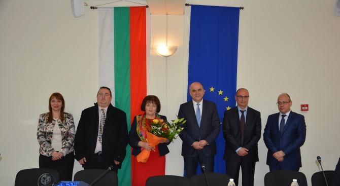 Снимка: Бисер Петков връчи награди за постижения в политиката по равнопоставеност между жените и мъжете