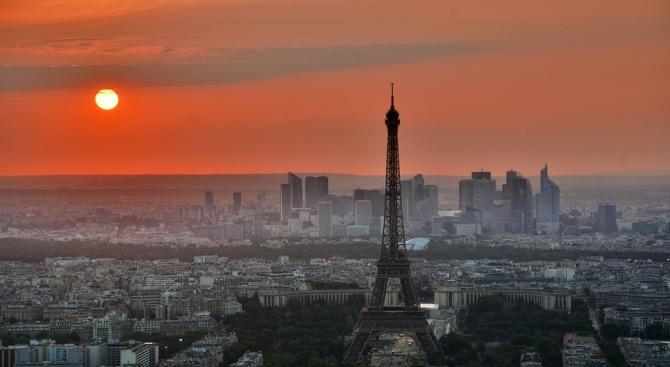 Нов пожар в Париж, този път в близост до двореца Версай
