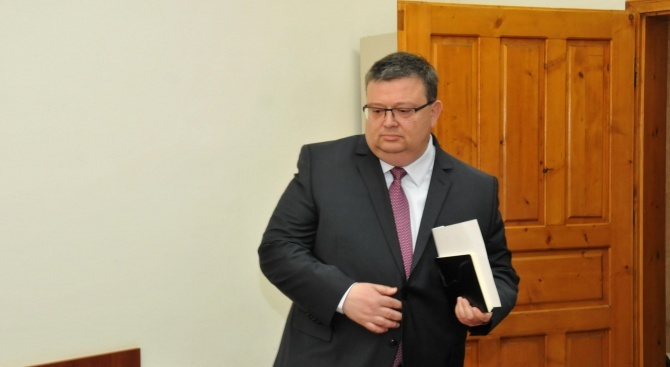 Главният прокурор взе на специален надзор разследването срещу Лютви Местан
