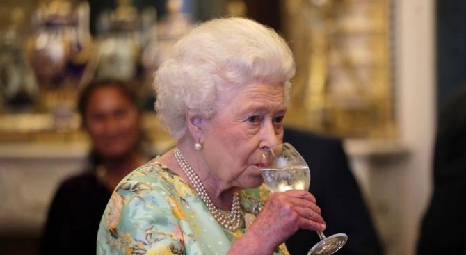 Българи грабнаха наградата за бизнес на кралица Елизабет II