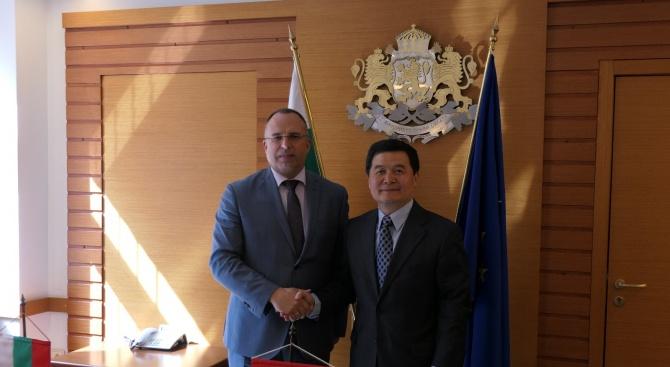 През 2019 г. се предвижда от България за Китай да