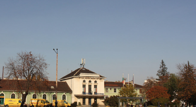 Днес бяха подписани договорите за реконструкция на жп гарите Подуяне