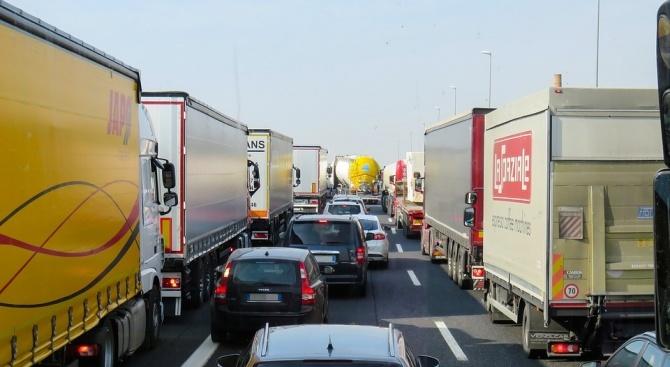 """На българо-турската граница на ГКПП """"Лесово"""" трафикът е интензивен на"""