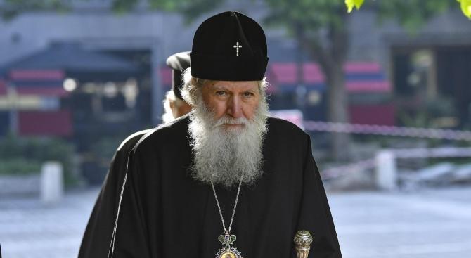 Патриарх Неофит отслужи Царски часове