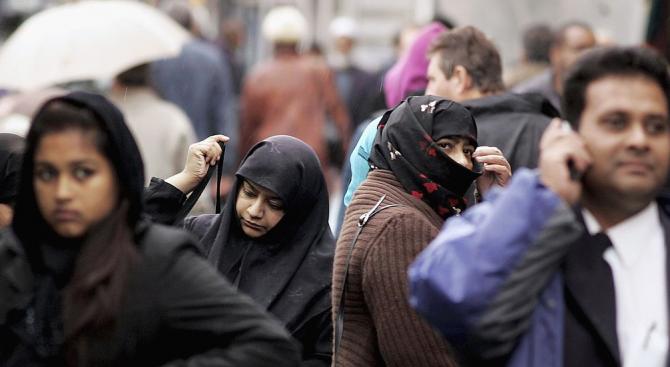 Бивш военен прегази 8 минувачи, помислил ги за мюсюлмани