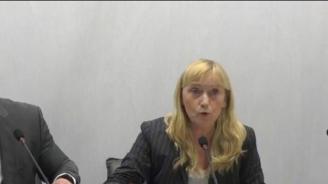 """Йончева ще внесе жалбата по аферата """"Ало, Банов съм"""" в сряда"""