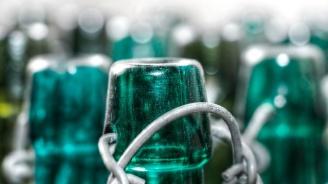 Вижте първата в света самопочистваща се бутилка