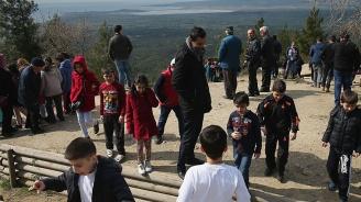Турски даскал обяви за Исус. Уволниха го