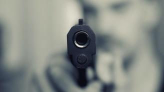 Закопчаха дядо, размахвал пистолет в кръчма в Котел