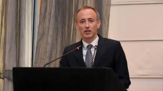 Министър Вълчев: Учителите и родителите имаме обща мисия да направим децата по-добри, по-можещи и по-образовани
