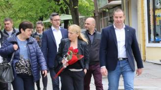 Елена Йончева: За да започнем възстановяването на България, БСП трябва да спечели тези избори