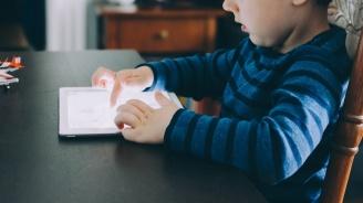 СЗО: Децата под 5 години не трябва да прекарват повече от час дневно пред екрана