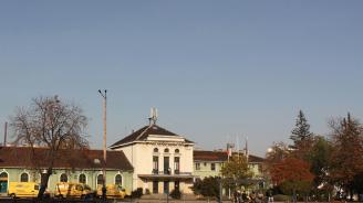 Подписаха договорите за реконструкция на софийските гари Подуяне и Искър