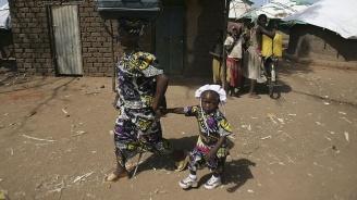Угандийска майка отглежда сама 38-те си деца