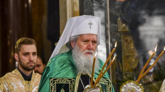 Патриарх Неофит ще отслужи опело Христово за Разпети петък