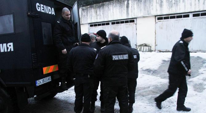 Засилено полицейско присъствие има в Куклен заради нападение в частен