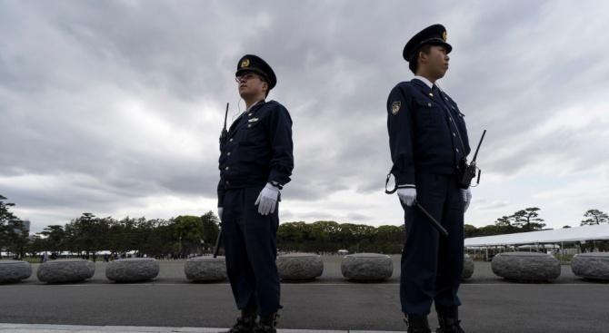 Японската полиция арестува мъж, поставил ножове на чина на 12-годишния