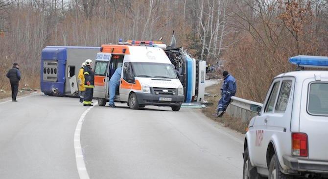 Автобусна катастрофа във Варненско, 7 души са ранени