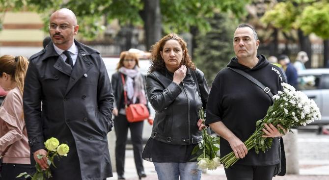 Приятели, колеги и роднини се простиха с режисьора Милан Кузов,