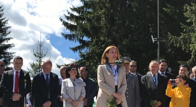 Ангелкова: Копривщица е център на културно-историческите дестинацииза популяризиране на историческите ни места