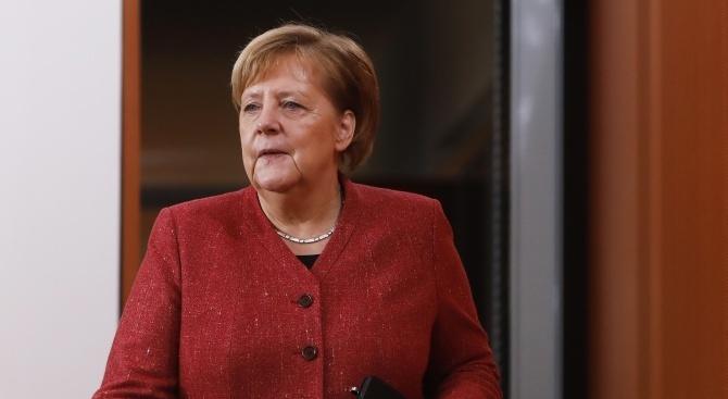 Германската канцлерка Ангела Меркел, която е на обиколка, включваща три