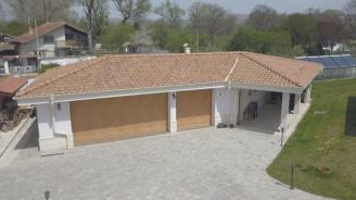 Собственик на къща за гости, субсидирана с над 391 хил. лева: Ще пускам вътре, който си искам