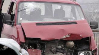 Проговори шеф в транспортната фирма, с чийто бус катастрофираха българи в Румъния