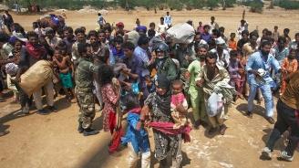 Индийски щат евакуира 800 хил. души заради наближаващ  циклон