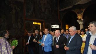 С молебен за здраве и успех ГЕРБ - Велико Търново откри кампанията си за евроизборите