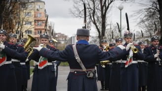 Музикален парад на военните духови оркестри и тържествен концерт за 6 май