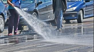 От днес започна пролетно миене на улиците в Радомир