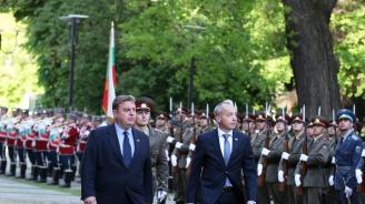 Министрите на отбраната на България и Хърватия договориха ускоряване на сътрудничеството в областта на отбраната